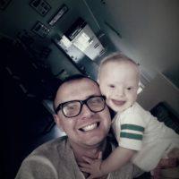 Patientenkind Tadzio mit seinem Vater.