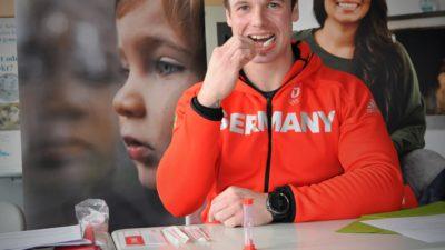 Silbermedaillengewinner besucht Schulaktion