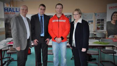 Alexander Rödiger besucht Schulaktion