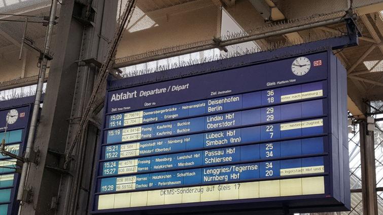 Gleisanzeige am Hauptbahnhof München