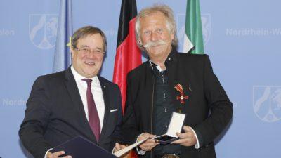 Hohe Auszeichnung für langjährigen DKMS-Unterstützer