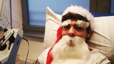 Leben retten Chefsache: Weihnachtsmann spendet Stammzellen